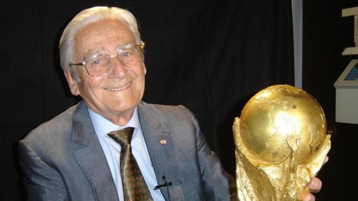 Pembuat Trofi Piala Dunia